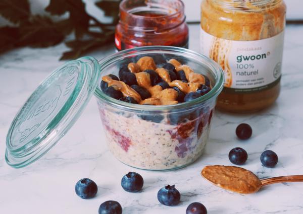 Peanutbutter Jelly overnight oats ontbijt fitnesswithasmile
